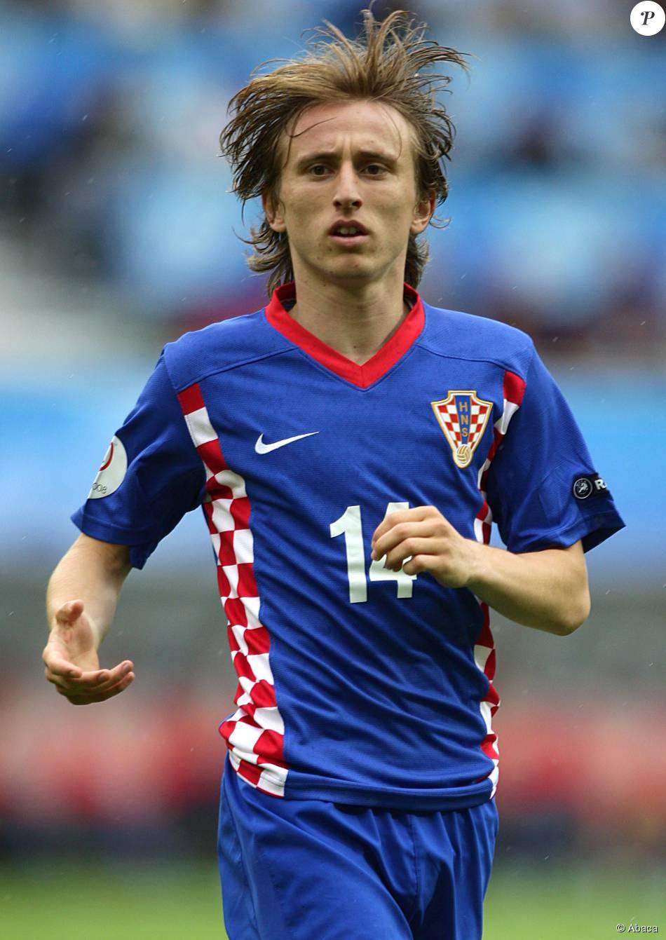 Luka Modric lors de la rencontre du championnat d'Europe entre la Croatie et l'Allemagne, le 12 juin 2008 à l'Hypo-Arena de Klagenfurt, le 12 juin 2008