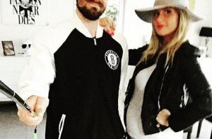 Aurélie Van Daelen, enceinte : Elle dévoile déjà la garde-robe de son bébé !