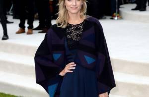 Mélanie Laurent, Cara Delevingne amoureuse... Défilé de stars pour Burberry !