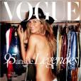 Gisele Bündchen photographiée par Mario Testino en couverture du magazine Vogue Paris. Numéro d'octobre 2015.