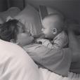 Liv Tyler poste une photo de ses fils Milo et Sailor (photo postée le septembre 2015.