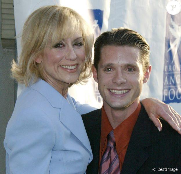 Danny Pintauro et Jugith Light lors de la 11e cérémonie annuelle des Angel Awards à Hollywood, le 22 août 2004