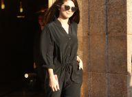 Selena Gomez : Toute nue sous son manteau dans les rues de