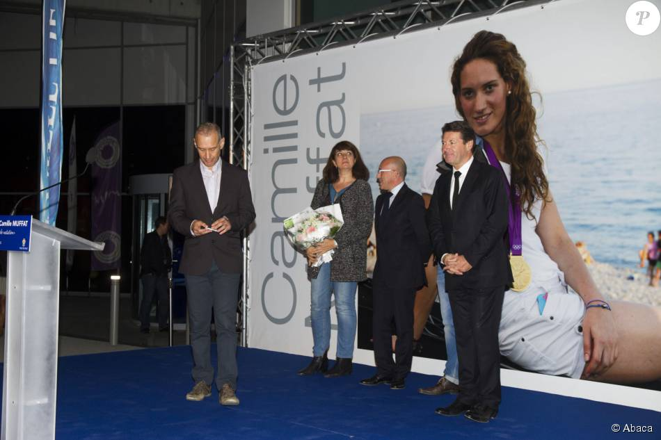 Camille muffat motions pour un ultime hommage devant sa for Piscine olympique nice