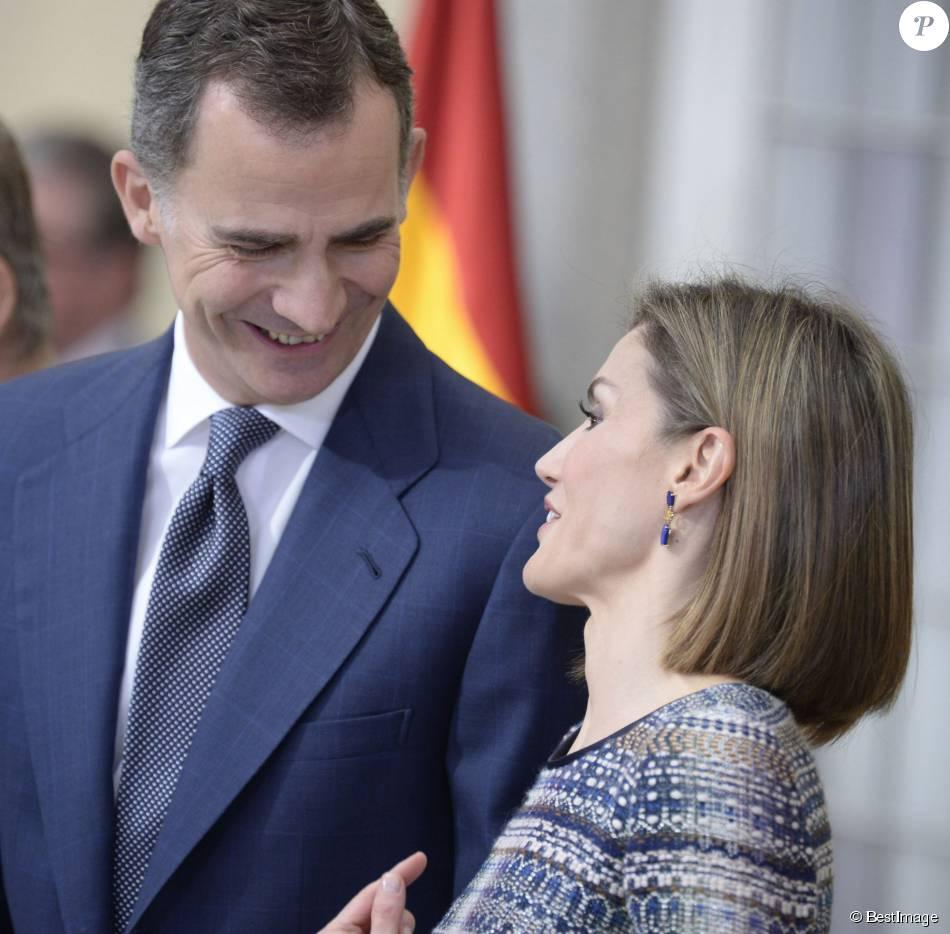 Le roi Felipe VI et la reine Letizia, avec le roi Juan Carlos Ier et la reine Sofia, ont remis le 17 novembre 2015 au palais royal du Pardo les Prix nationaux du Sport 2014.