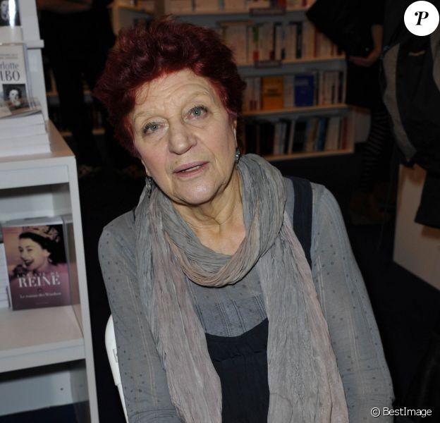 Anne Sylvestre - La 33e edition du Salon du Livre, porte de Versailles à Paris, le 22 mars 2013.