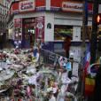 Hommage devant le Bataclan - Illustration des hommages pour les victimes des attentats terroristes à Paris, le 17 novembre 2015. © Denis Guignebourg/Bestimage