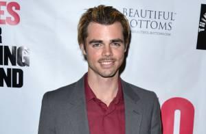 Reid Ewing (Modern Family) : L'acteur accro à la chirurgie poussé au coming out