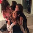 Mariah Carey et ses enfants, les jumeaux Monroe et Moroccan / photo postée sur Instagram au mois de novembre 2015