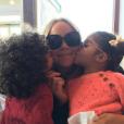 Mariah Carey et ses enfants, les jumeaux Monroe et Moroccan/ photo postée sur Instagram au mois de novembre 2015