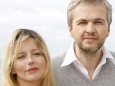 REPORTAGE PHOTOS : Laure Marsac maintenant qu'elle nous l'a présenté... elle ne quitte plus son mari !
