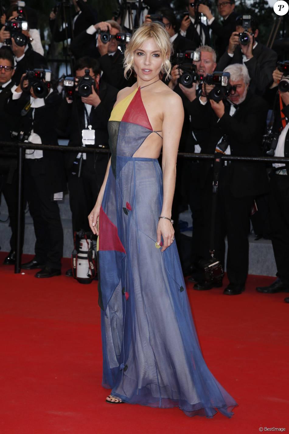 Robe Sienna Miller Habillée Couture Valentino Haute D'une 8ttqwr