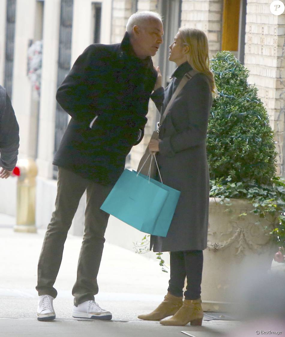 kelly rutherford dating 2015 A timeline of kelly rutherford's the level of commitment to facilitating the relationship 2015 rutherford starts an official white house petition.