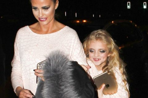 Katie Price : Sa fille Princess, 8 ans seulement, maquillée à outrance...
