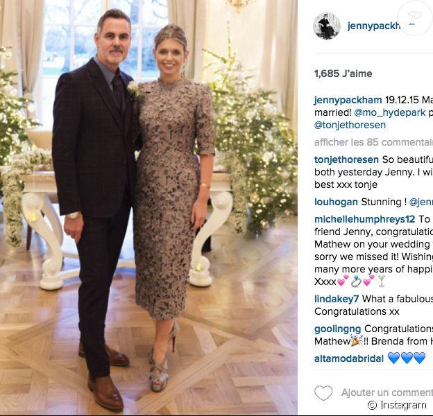 Jenny Packham et Mathew Anderson se sont mariés le 19 décembre 2015 au Mandarin Oriental à Londres. Ils posent ici devant la photographe Thonje Thoresen.