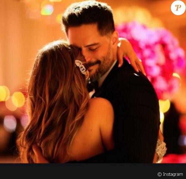 Sofia Vergara et Joe Manganiello lors de leur mariage, photo postée sur Instagram par l'actrice le 28 décembre 2015