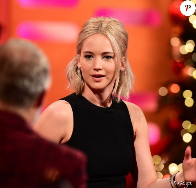 Jennifer Lawrence sur le plateau de l'émission The Graham Norton Show le 8 décembre 2015 - l'émission est diffusée le 31 décembre 2015