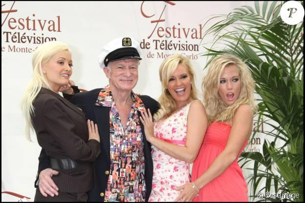 Holly Madison, Hugh Hefner, Bridget Marquardt et Kendra Wilkinson à Monaco, le 12 juin 2007.