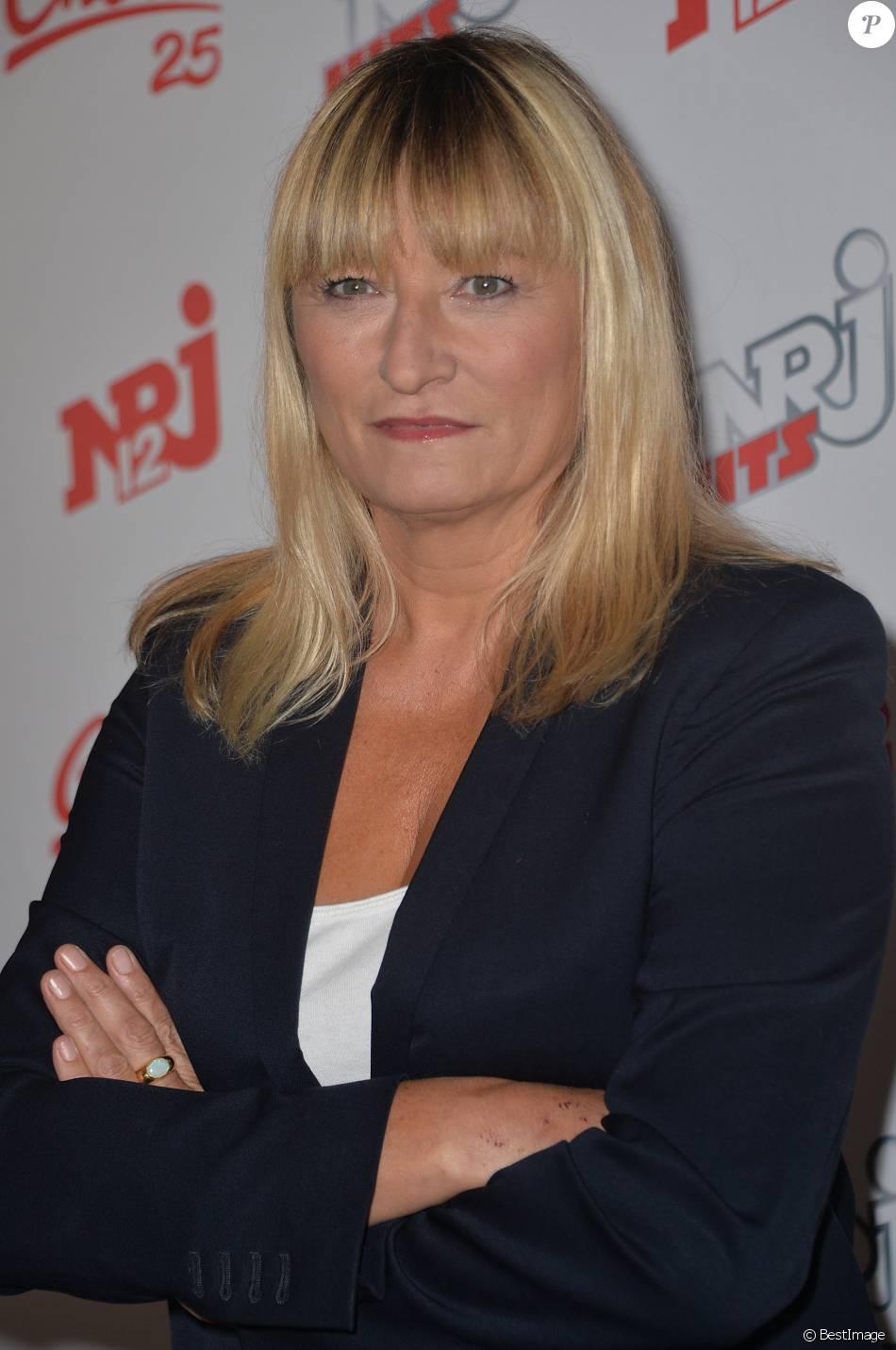 Christine Bravo - Conférence de presse de la grille de rentrée 2015/2016 des chaînes NRJ12, NRJ Hits et Chérie 25 à la Cour du Marais à Paris, le 27 août 2015.