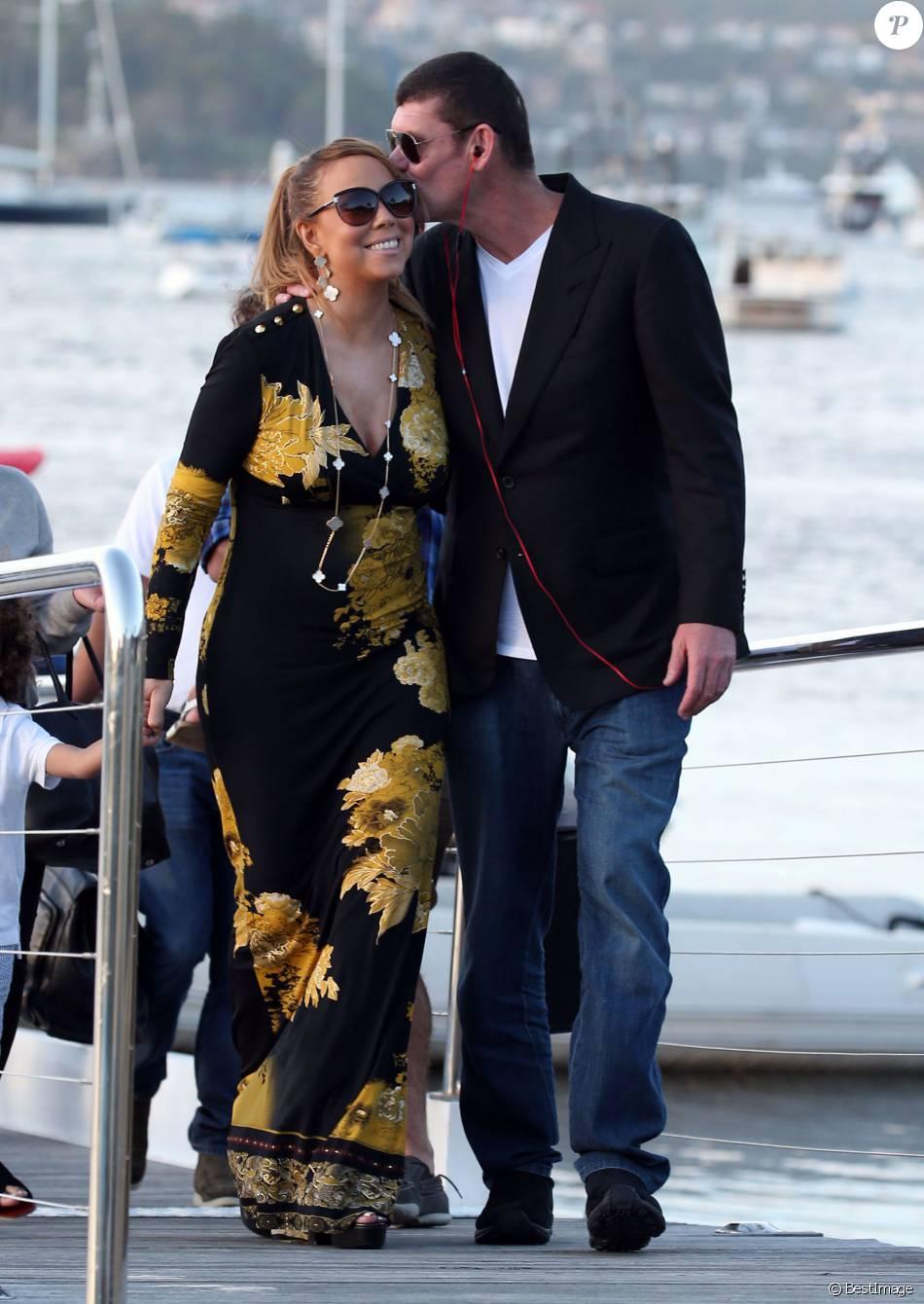 Exclusif - Mariah Carey, son compagnon James Packer et ses enfants Moroccan et Monroe sont arrivés à Sydney en Australie, avant de rejoindre Lachlan Murdoch (fils de l'homme d'affaires australo-américain Rupert Murdoch) et sa femme Sarah sur leur voilier de luxe de 42,6 mètres (le Sarissa) sur le port de Sydney pour une fête du jour de l'an le 1er janvier 2016 .