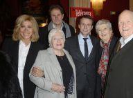 Emmanuel Macron et son épouse Brigitte au théâtre entourés de stars