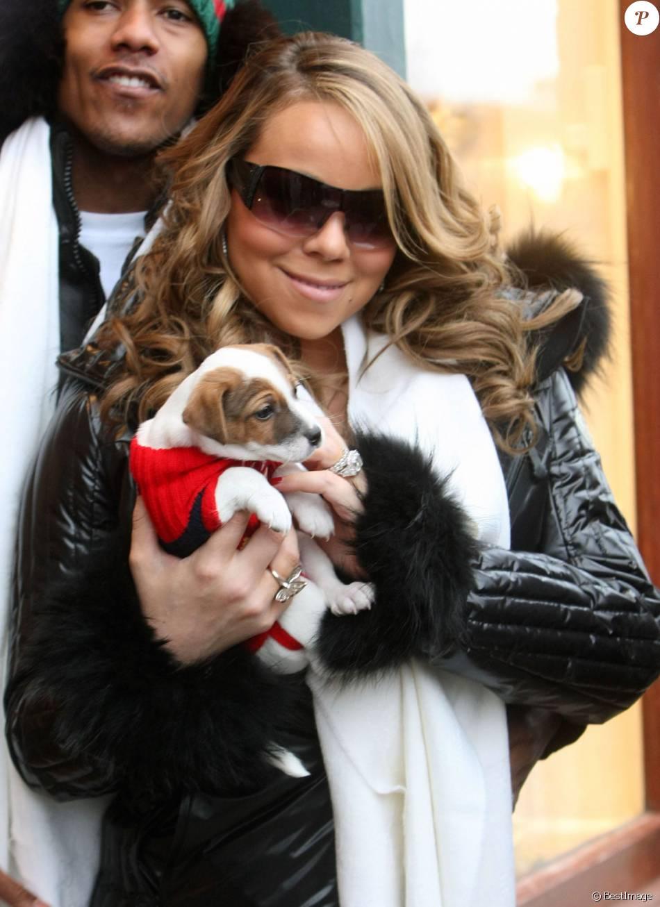 Mariah Carey et son chien à Aspen, le 22 décembre 2009