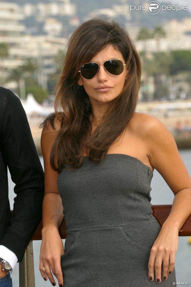 Les plus jolies femmes de la planète - Page 3 86046-monica-cruz-637x0-1
