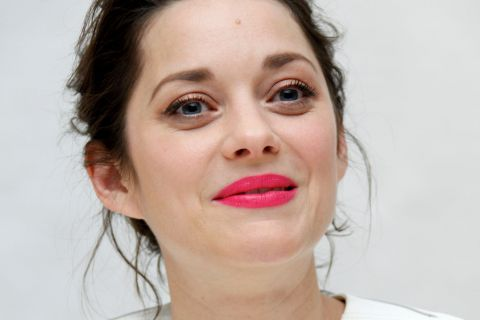"Marion Cotillard et Marcel en mode ""sieste du dimanche"""