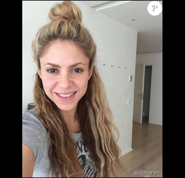 Shakira au naturel et sans maquillage avant de fêter son anniversaire - 2 février 2016