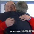 """Daniel Auteuil, retrouvailles avec Pascal Duquenne dans l'émission """"Salut les Terriens !"""" sur Canal+. Le 6 février 2016."""