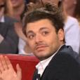 """Kev Adams ému par sa mère dans """"Vivenement dimanche"""" sur France 2, le 7 février 2016."""