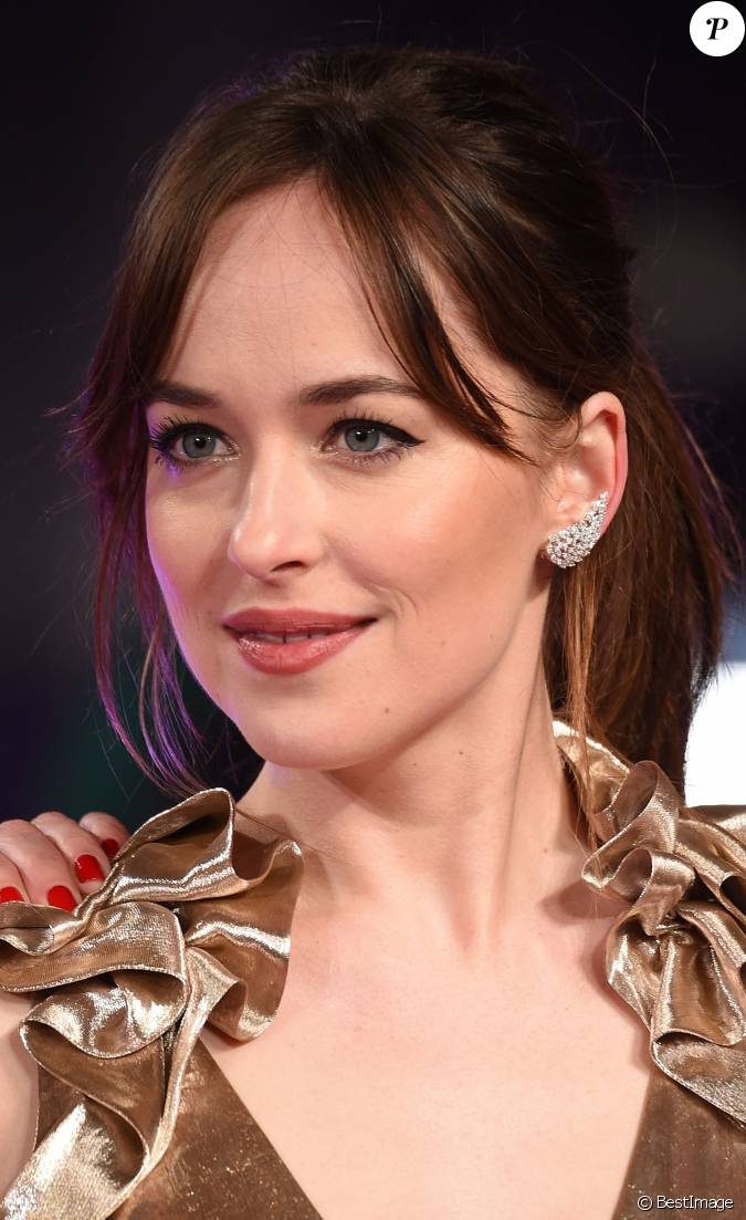 dakota johnson bijoux messika collection angel l 39 avant premi re europ enne du film how to. Black Bedroom Furniture Sets. Home Design Ideas