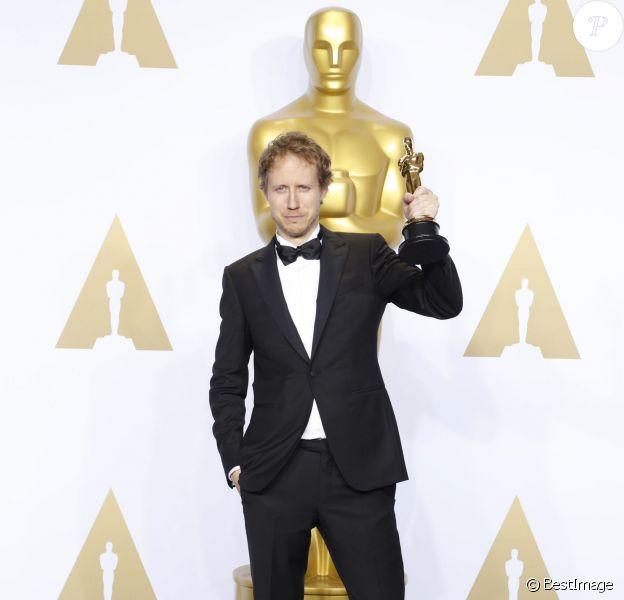 """Laszlo Nemes (Oscar du meilleur film en langue étrangère pour le film """"Le Fils de Saul"""") - Press room de la 88ème cérémonie des Oscars à Los Angeles le 28 février 2016."""