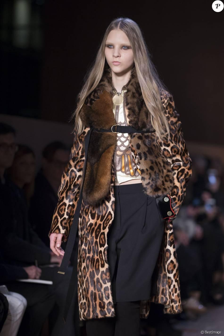 - Défilé de mode Givenchy collection prêt-à-porter Automne ...