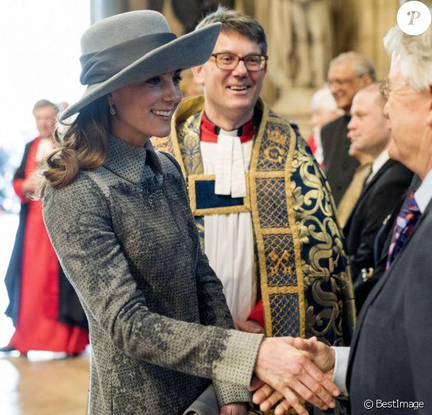 Kate Middleton à la sortie de l'abbaye de Westminster, le 14 mars 2016, après le service du Commonwealth Day.