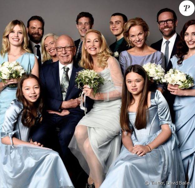 Photo de famille des jeunes mariés Jerry Hall et Rupert Murdoch. Publiée sur Twitter le 14 mars 2016