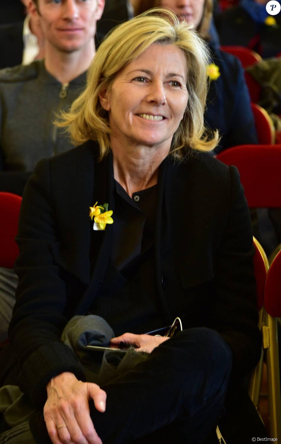 """Claire Chazal lors de l'opération """"Une jonquille pour Curie"""" à la mairie du Vème arrondissement, le 15/03/2016 - Paris"""
