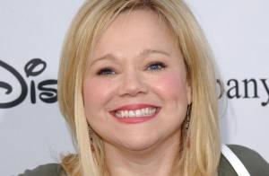 La comédienne Caroline Rhea, 'Sabrina, l'apprentie sorcière', est maman à 44 ans !