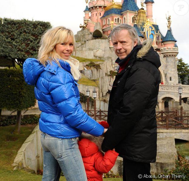 Romane Serda et Renaud avec leur fils Malone en 2009 à Disneyland Paris