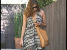 REPORTAGE PHOTOS : Eva Mendes esseulée dans les rues de Los Angeles...