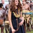 Kate Middleton pieds nus sur Tuvanipupu Island dans les Îles Salomon en septembre 2012.