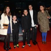 Joyce Jonathan brille en famille pour 007, devant une ex-James Bond girl