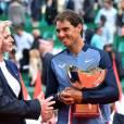 Le prince Albert II de Monaco et la princesse Charlene ont félicité Rafael Nadal pour sa victoire en finale du Monte-Carlo Rolex Masters 2016 face à Gaël Monfils au Monte-Carlo Country Club à Roquebrune-Cap-Martin, le 17 avril 2016. © Bruno Bebert/Bestimage