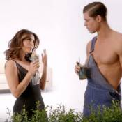 """Eva Longoria, hilarante pour L'Oréal : Elle parodie """"Desperate Housewives"""" !"""