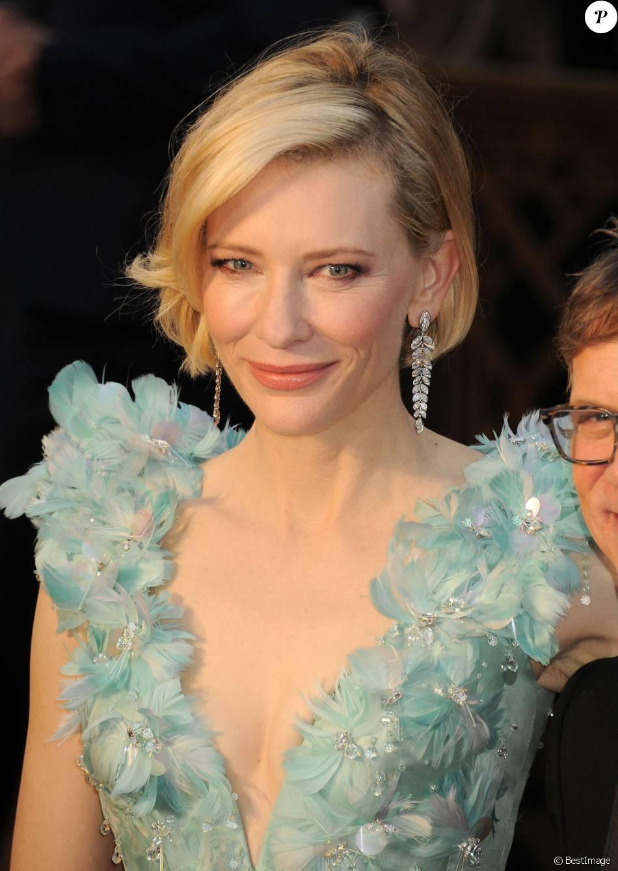 Cate Blanchett - Arrivées à la 88e cérémonie des Oscars au Dolby Theatre à Hollywood. Le 28 février 2016