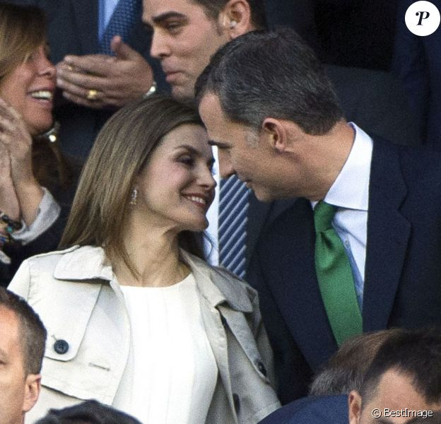 Letizia et Felipe VI d'Espagne lors de la finale de la Coupe du Roi au stade Vicente Calderon à Madrid le 22 mai 2016, entre le FC Barcelone et le FC Séville. © Future-Image via Bestimage