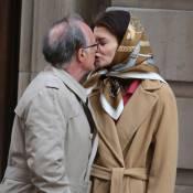 Katie Holmes : Look BCBG, baiser à un vieux monsieur, Jackie est de retour...