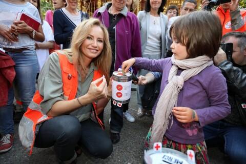 Adriana Karembeu : L'atout charme de la Croix-Rouge lance la collecte annuelle