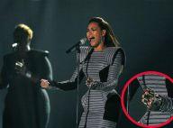 REPORTAGE PHOTOS : Beyoncé et Estelle ont-elles perdu la raison ? Enlevez ces robes immondes !!!