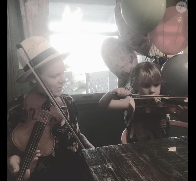 Pink a souhaité un bon anniversaire à sa fille Willow qui fête ses 5 ans. Photo publiée sur Youtube, le 5 juin 2016